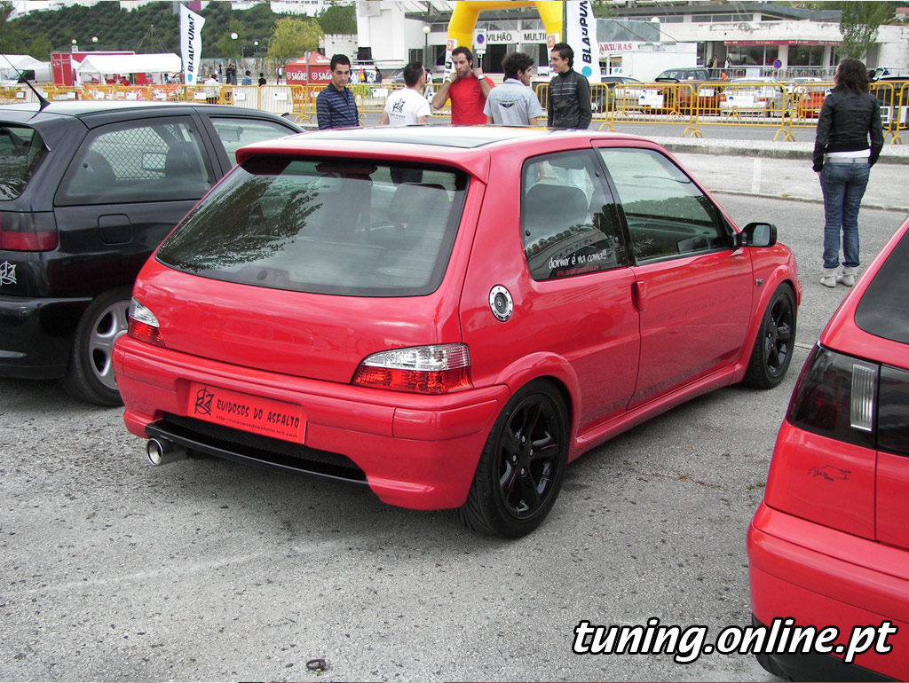 fotografia de tuning batalha peugeot 106 vermelho tuning. Black Bedroom Furniture Sets. Home Design Ideas