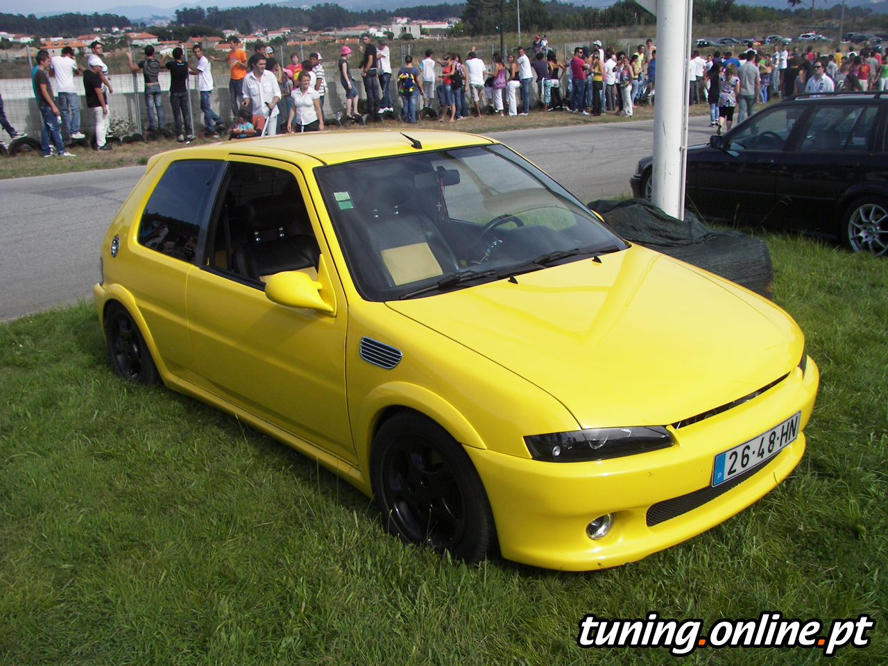 fotografia de peugeot 106 amarelo tuning online. Black Bedroom Furniture Sets. Home Design Ideas