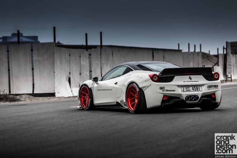 Liberty Walk Ferrari 458