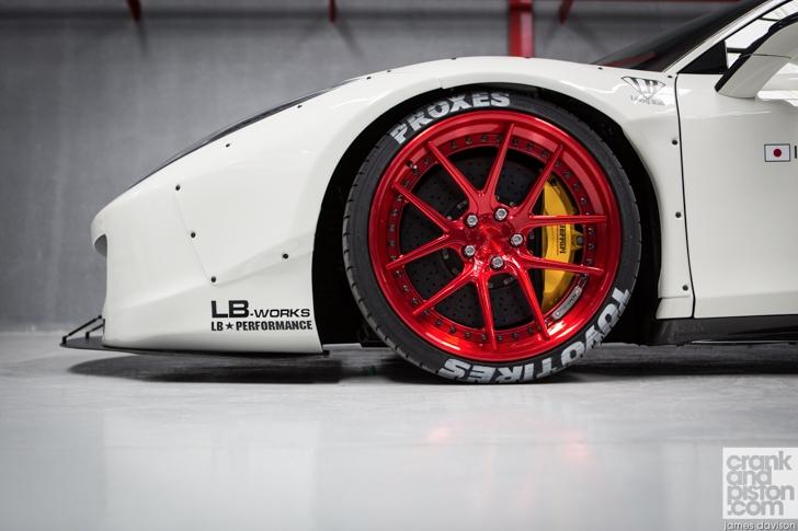 Liberty Walk Ferrari 458
